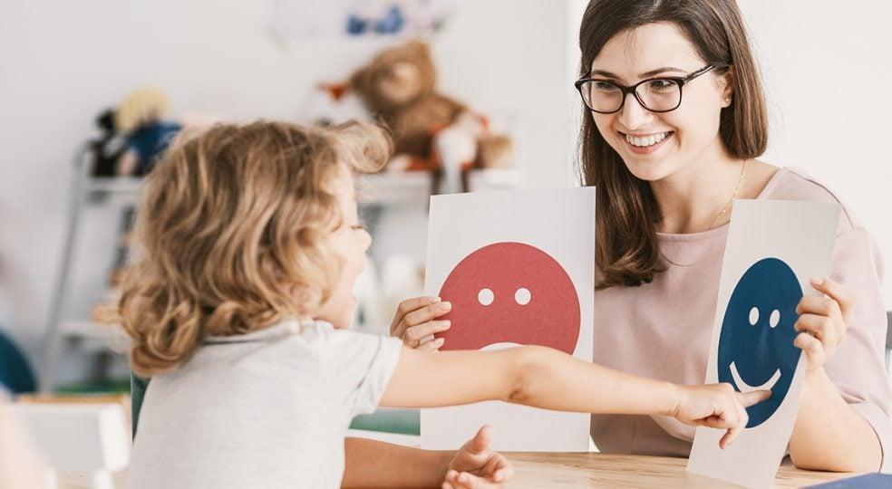 Kindercoach werden: Ausbildung, Voraussetzungen und Aufgaben